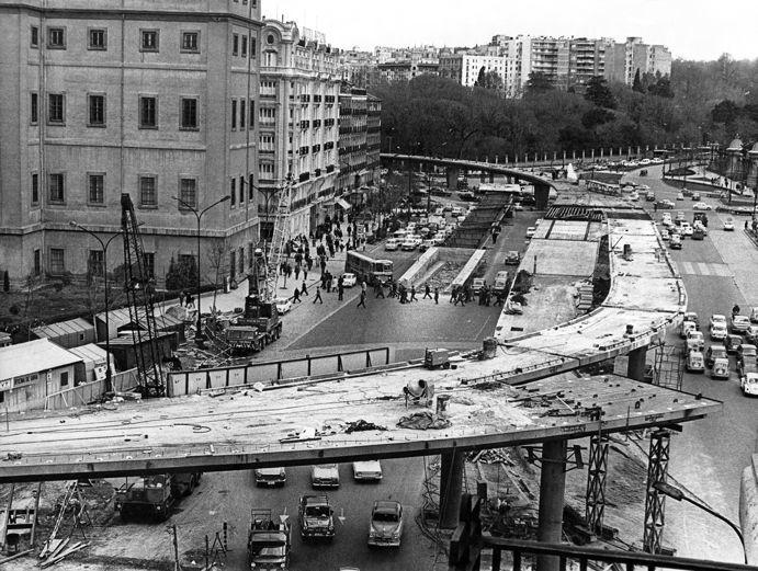 La foto de la semana: Paso elevado de Atocha (1968)   Ediciones La Librería