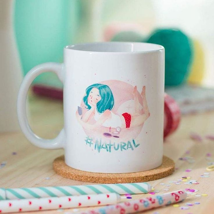 Mug Natural Código: PMS-002 Taza de porcelana blanca que puede meterse en el microondas y el lavaplatos. Capacidad de la taza 11 onz. #PeppermintAtelier #conceptstore #cartagena #ilustración #tiendabonita #productosilustrados #Colombia #hechoencolombia
