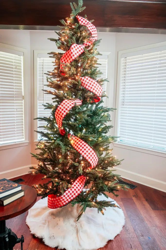 How To Put Ribbon On A Christmas Tree The Easy Way Headquarters Christmas Tree Decorations Ribbon Christmas Tree Decorations Diy Ribbon On Christmas Tree