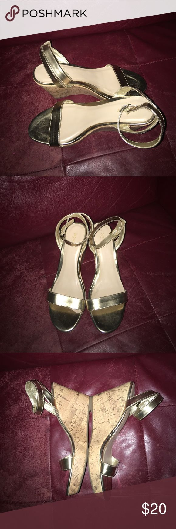 """Old Navy Gold Wedges Beautiful Gold Old Navy Wedge Sandals in EUC 4"""" wedge heels Shoes Wedges"""