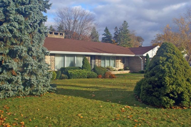 North Oshawa home (photo: Dave Melnychuk)