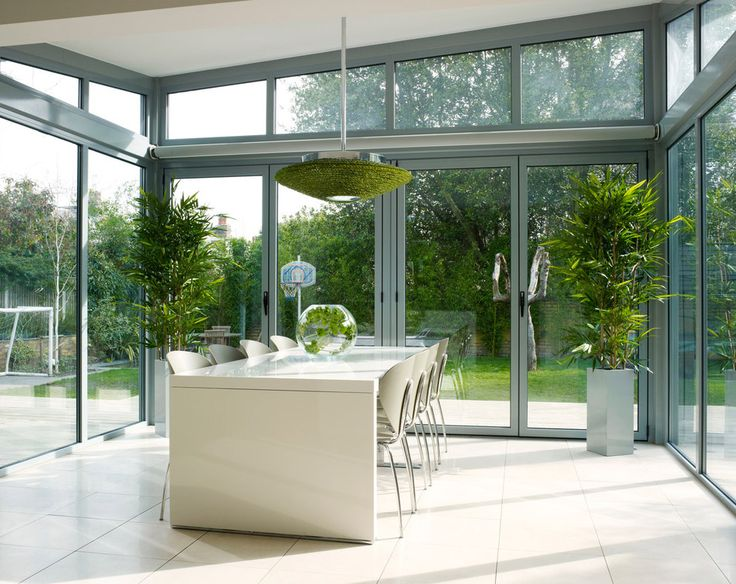 We love the open wide space of this house in London by Genevieve Hurley with STUA Globus chairs. Photos Rachael Smith.