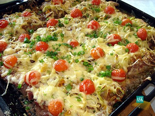 Рис сверху сыр потом майонез потом ветчина салат