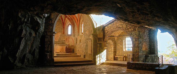 Grotta di San Giovanni d'Antro – Nel ventre del tempo
