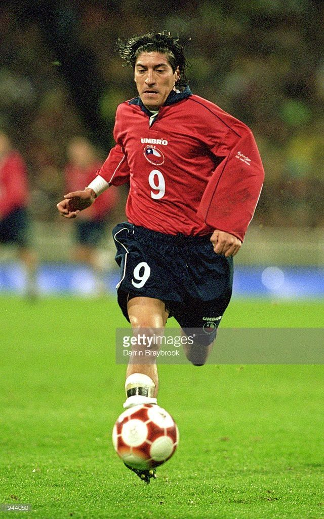 Ivan Zamorano of Chile on the ball during the Mens Football Semi-Final against Cameroon at the MCG in Melbourne on Day 11 of the Sydney 2000 Olympic Games in Australia. Cameroon won 2-1. \ Mandatory Credit: Darrin Braybrook /Allsport