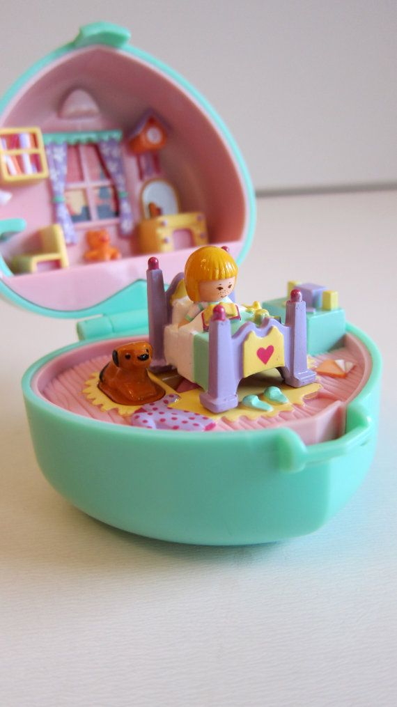 1991 Polly Pocket Midge's Bedtime Playset, Bluebird Toys, Swindon, England -- Midge included, but her legs are broken off. Price paid: part of $12.00 bundle of toys.