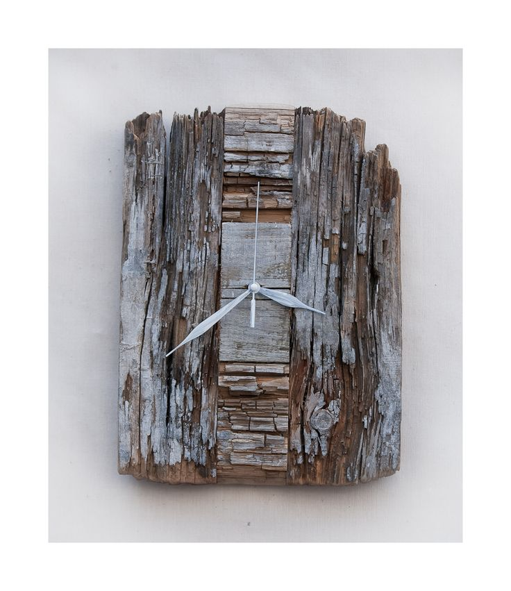 Model no 3. Aged wood is a beautiful way to add character to your home or garden. Developped naturally. Pine wood. Size: 35 cm x 30 cm.