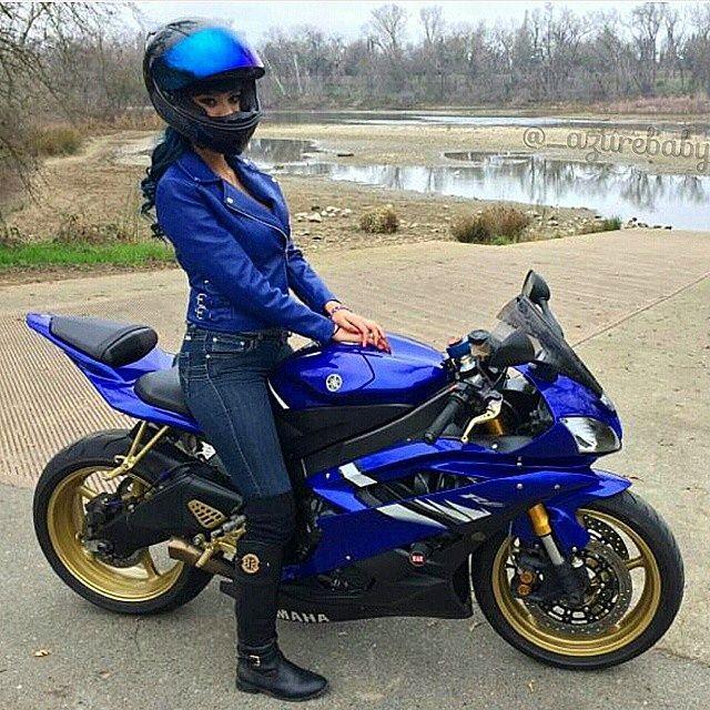 c4d8f9a4d59 Hot biker girl YAMAHA R6 Via    azurebaby