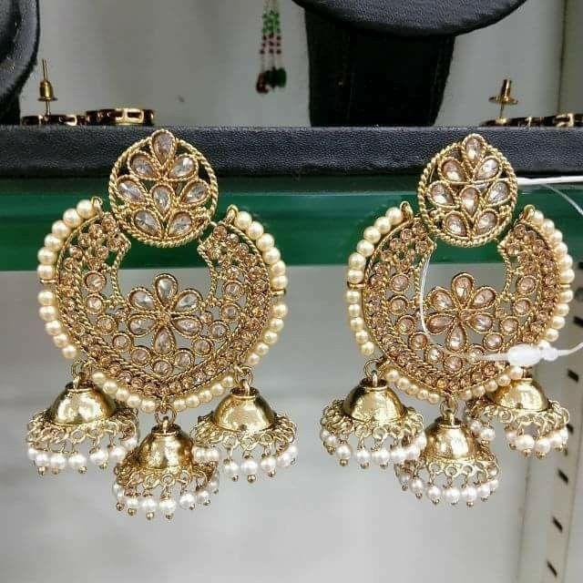 Love this kundan earings.............