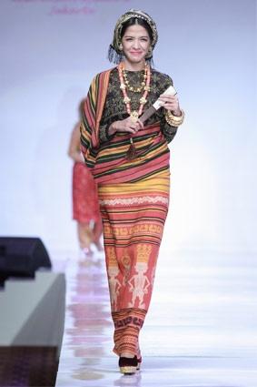 RUNWAY REVIEW: Konsep Baru Fashion Show, Tanpa Model! | FIMELA - Indonesian Online Fashion & Lifestyle Magazine
