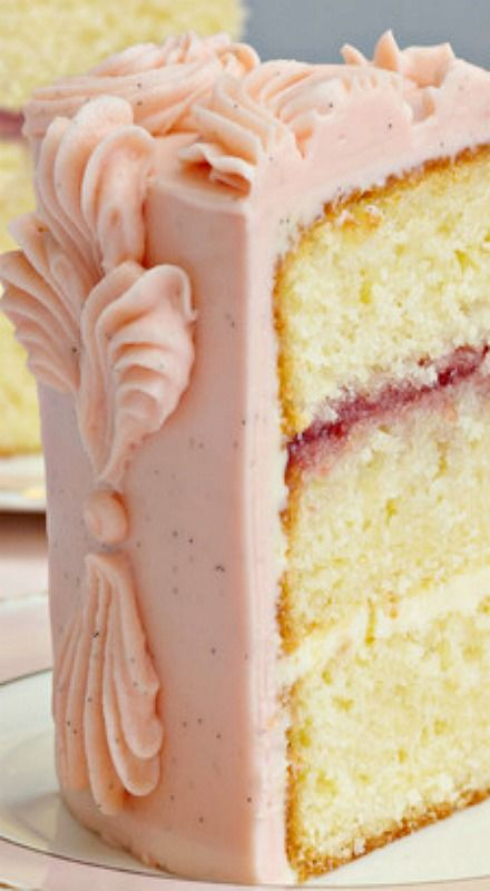 Victoria Sponge Cake - use this corrected link: http://www.thisisglamorous.com/2012/06/table-for-two-recipe-victoria-sponge  ❊