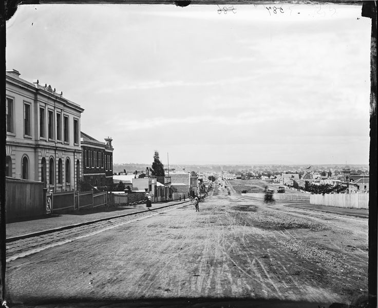 Victoria Parade, looking east, with Collingwood on the left and East Melbourne on the right | ON 4 Box 65 No 587 | Holtermann Collection : photographs of goldfield towns in N.S.W. and Victoria; Sydney and Melbourne streets and buildings, 1871-1876