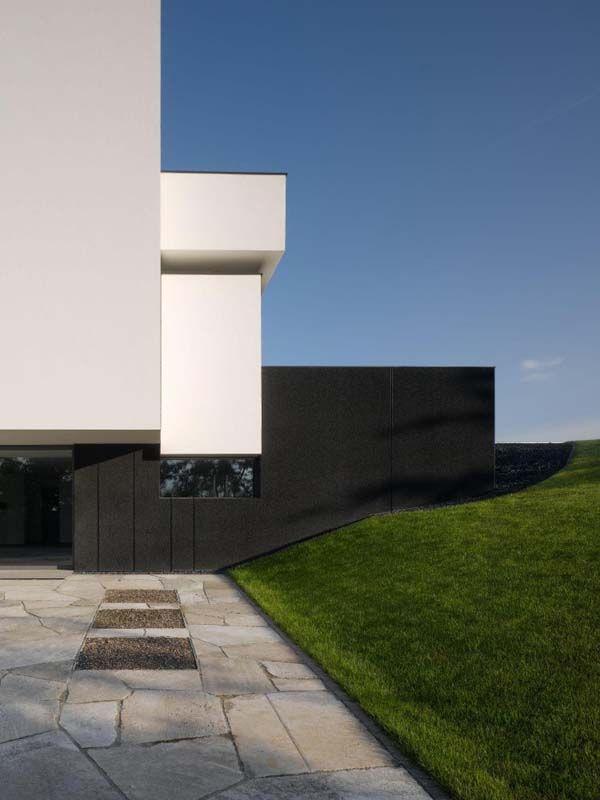 Oberen Berg House by Alexander Brenner