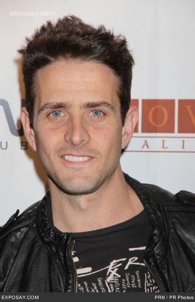 Amie....now here's my bf. miss him:( Joey McIntyre #yummm ;)