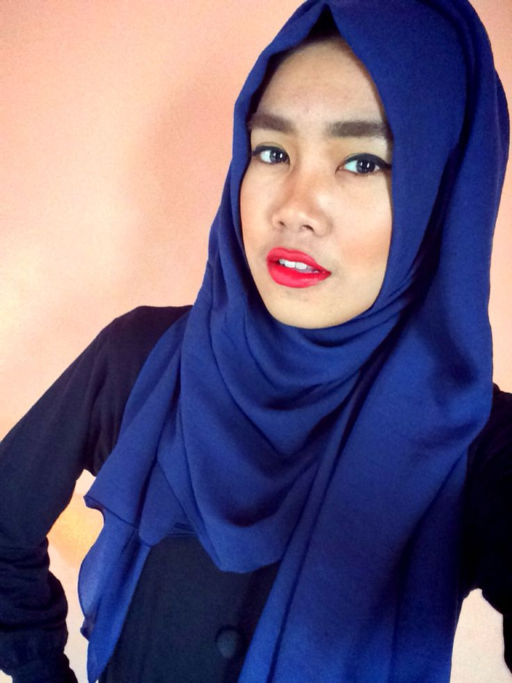 Entahlah, tapi red lips ini benar2 addicted #MakeOver Lip Palette #hijup #hijab #beauty #redlips #red