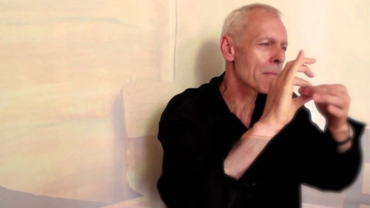 Samotinká lásko, Igor Šebo - Evropský institut kulturních a mírových studií uvádí hudební klip Samotinká lásko v českém znakovém jazyce.