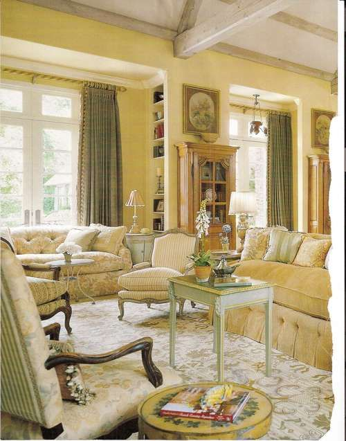 Just a gorgeous room with lovely colors, fabrics, furniture. Charles Faudree, of course.