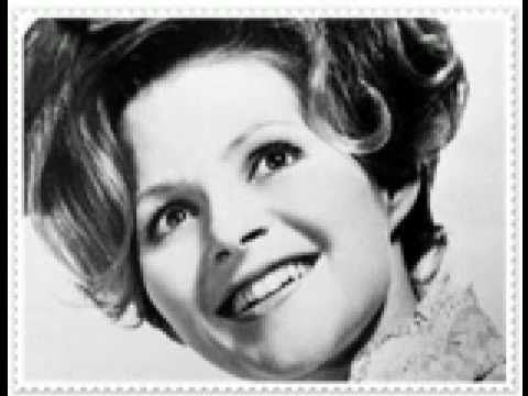 BRENDA LEE ~ Rockin' Around The Christmas Tree