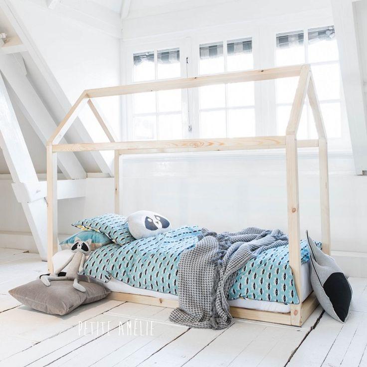best 25 lit au sol ideas on pinterest lits de sol porte manteau de style porte and info 43. Black Bedroom Furniture Sets. Home Design Ideas