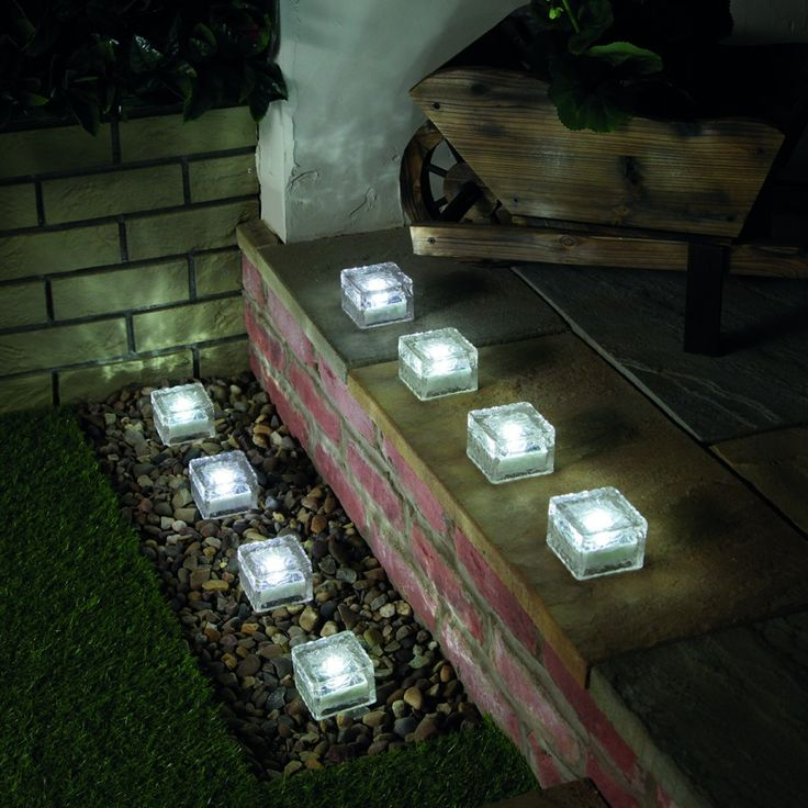 Solar Glass Brick Garden Path Light, White LED, 8 Pack