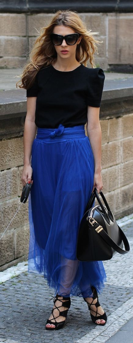 Choies Blue Bowed High Waisted Tulle Maxi Skirt by Czech Chicks. This blue Maxi Skirt is just over the top, super elegant. ~GVT~