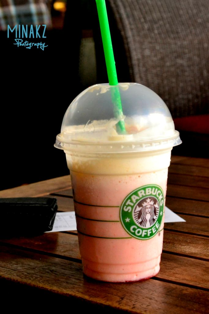 Strawberry Smoothie - Starbucks