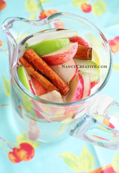 Apple Cinnamon Ginger Water–a great flavored water for fall!