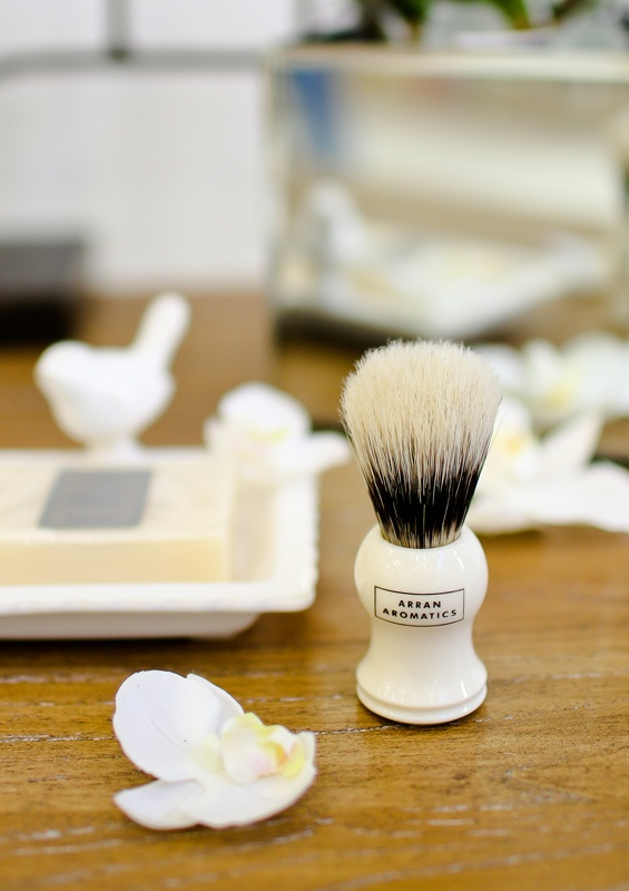 Men's stylish grooming accessories featuring white ceramic from Arran Aromatics. Enter to win a $300 #NottingHill gift card theprov.in/notting contest #contest