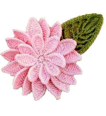 Beautiful pink flower with many petals. flor crochet gratis More Great Patterns Like This