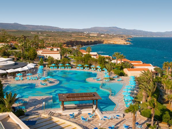 Book your stay now at the Iberostar Creta Panomara & Mare hotel on Crete island and enjoy unique moments of luxury and relaxation.