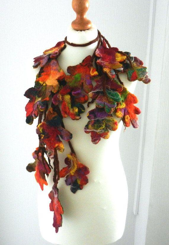 Infeltrito a mano, gioielli di lana infeltrita collana/sciarpa