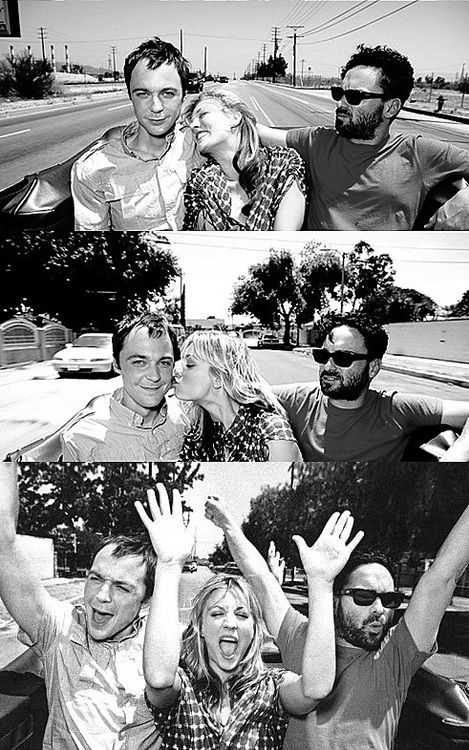 Jim Parsons, Kaley Cuoco, and Johnny Galecki...i love this picture of these 3!