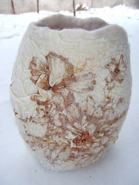 White art vase, nunofelted - Gorgeous. <. (fabric, textile, fiber art)