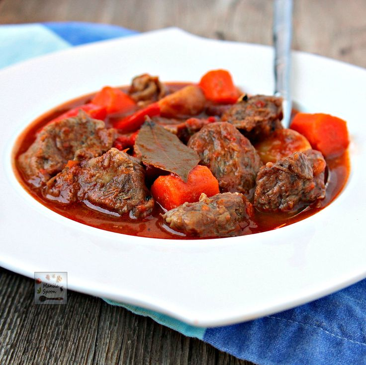 Deliciously tender chunks of beef slowly simmered in tomato sauce flavored with Asian seasonings. Your taste buds are treated to a savory, tangy and sweet explosion of flavors! #beef #mechado