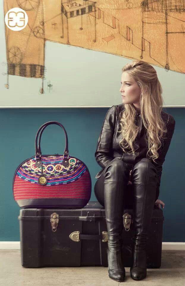 Guatemalan textile ~ I want this purse!!!