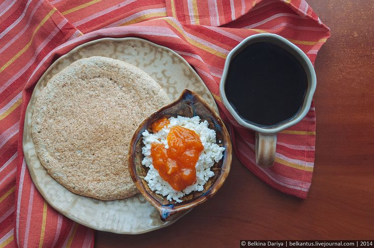 Хлеб, творог и варенье.jpg