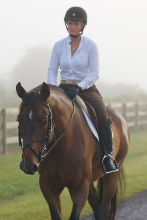 I RIDE ENGLISH NOW AND IT IS THE BEST!!!!!, the tack is beautiful and the outfit looks perfect for casual English riding.