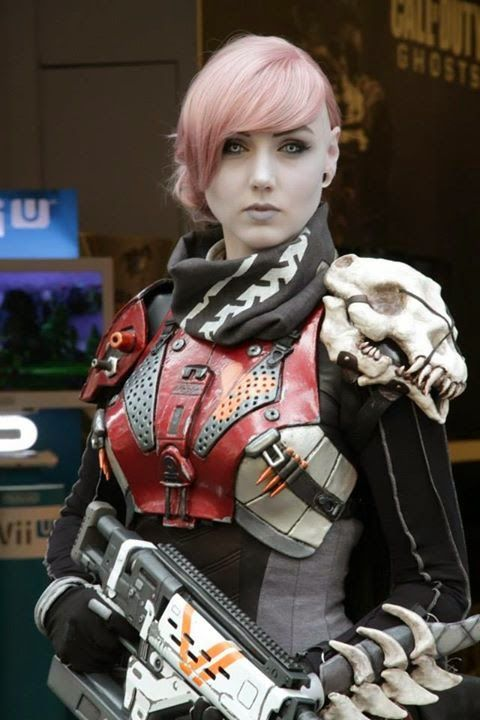 I AM LAUGHING SO HARD RIGHT NOW!!! SOMEONE COSPLAYED AN AWOKEN HUNTER FROM DESTINY!!!! THIS IS SO BEAUTIFUL!!!