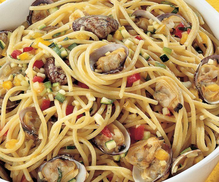 Spaghetti con salsa alle vongole #vongole