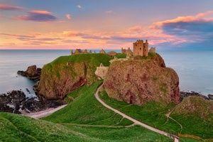 Замок Данноттар в Шотландии http://proboating.ru/articles/traveling/castle-dannottar-scotland/