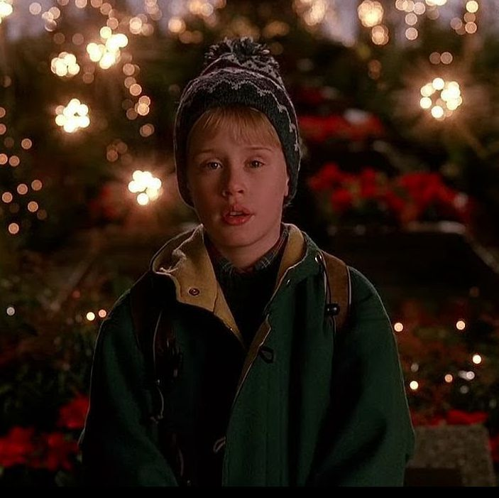 Visit These Home Alone 2 Filming Locations Next Time You Re In New York City Home Alone Home Alone Movie Classic Holiday Movies