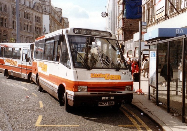 The Little Gem bus!