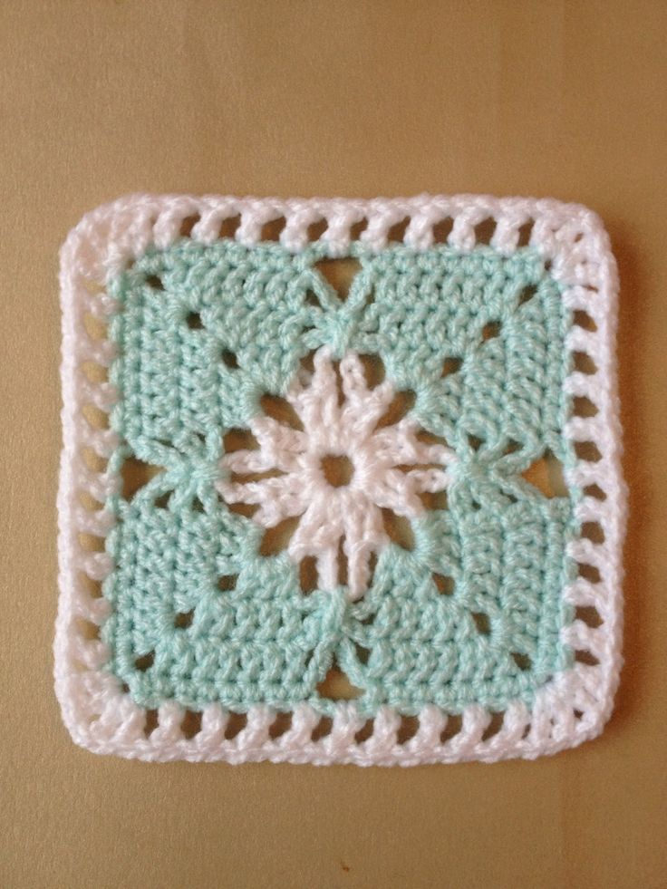 Simple effect using chain stitch, free pattern (no name or title) by Crafting Chemist; from a picture found on Pinterest that had no original pattern link. . . . . ღTrish W ~ https://www.pinterest.com/trishw/ . . . . #crochet #square #lacy