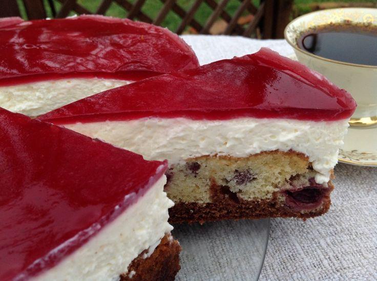 Rotkäppchenkuchen - mit einer köstlichen Quarkcreme, Kirschen und Nutella