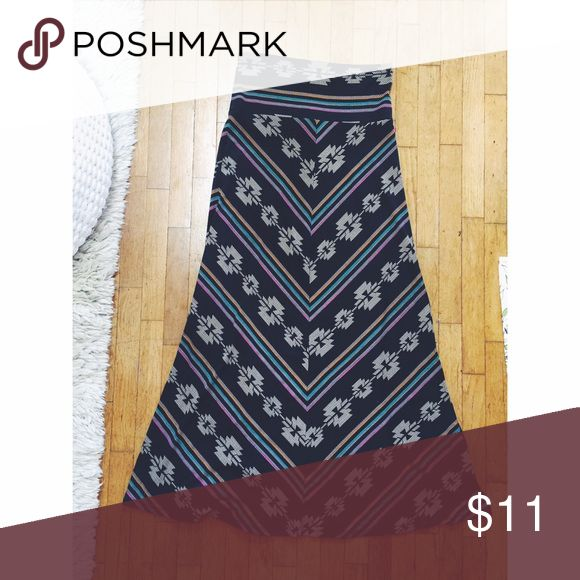Tribal Maxi Skirt Pre-loved and in great condition! Vintage gem from Portland. The shape is very flattering. Vintage Skirts Maxi