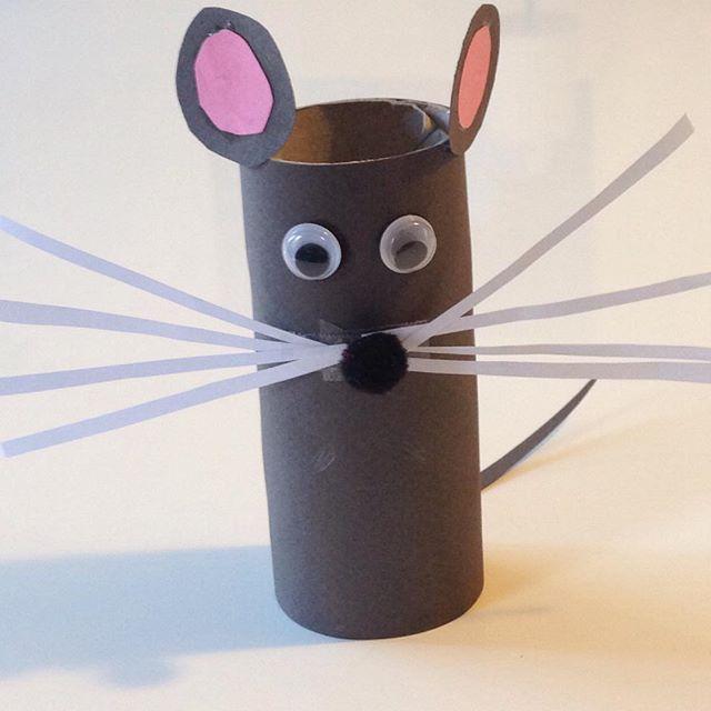 Petite souris grise ! (Pas verte !)  #bricolage #rouleaupq #activites #enfants