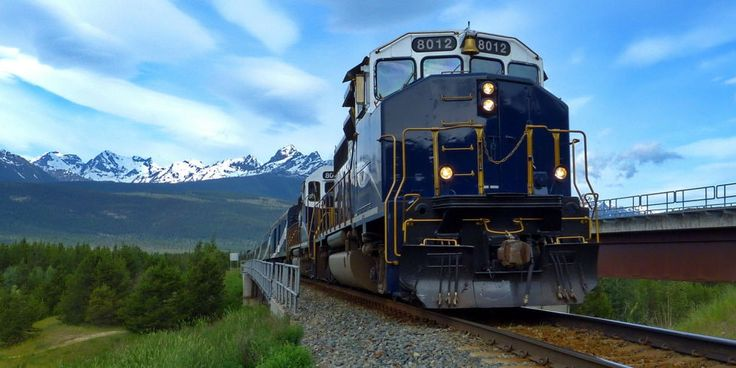 10 of the Most Scenic Train Rides - Train Travel USA