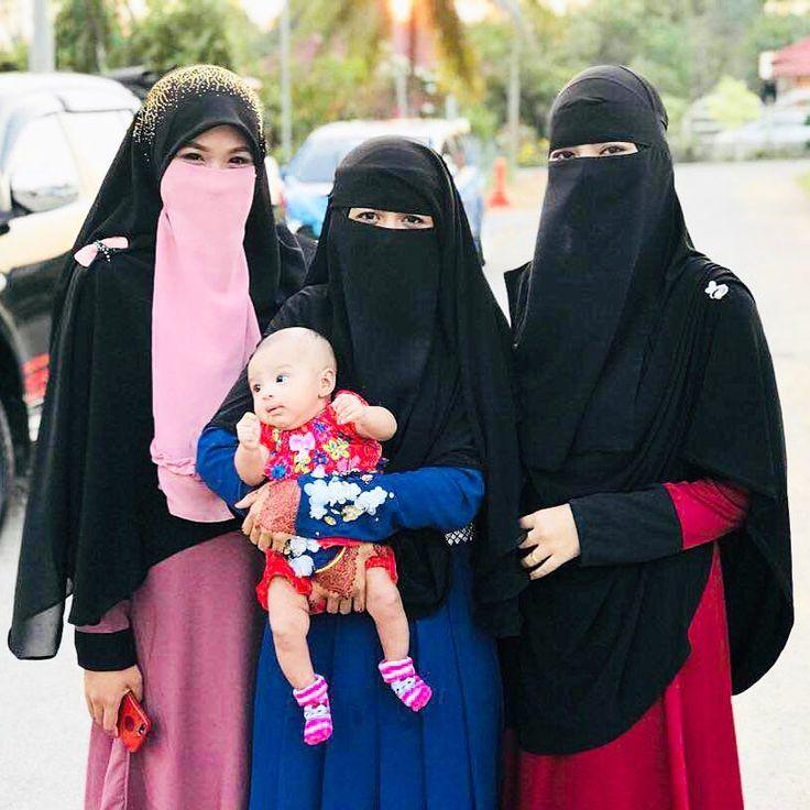 "2,177 Likes, 7 Comments - ⚜️نصرة ظاهر⚜️ (@nusrohdzhir_) on Instagram: ""Bunda Nusroh, Mama Yana, Ibu Ca; bersama baby comel mereka. Kbye!😝"""