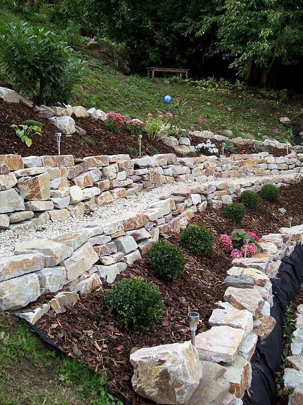 garten - trockenmauer - naturstein - hanggarten | garten, Garten und erstellen