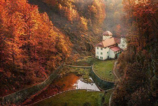 Poland, Sudety. Lake Lesna with the dam built in the early XX century.